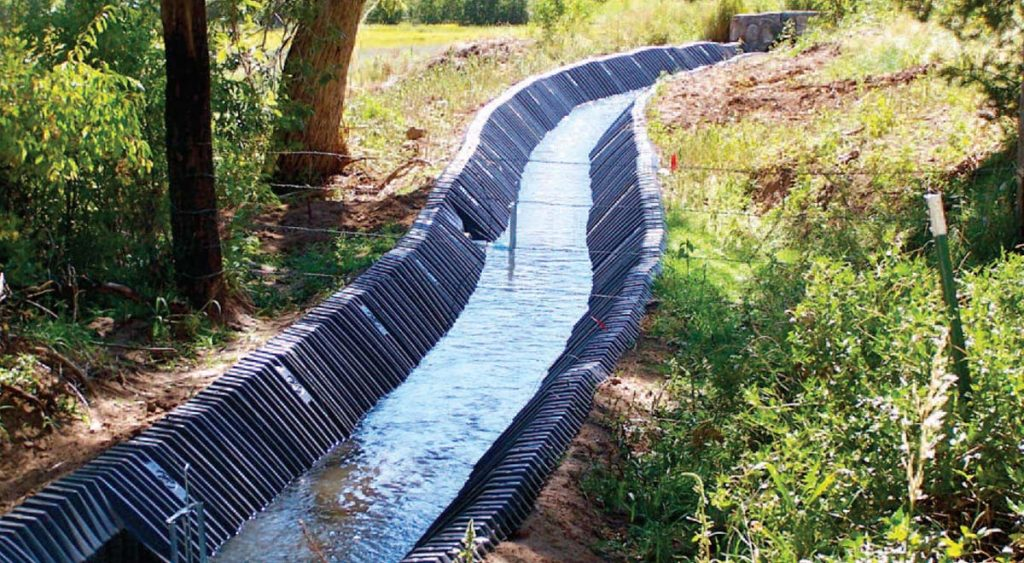 Smartditch with water in it